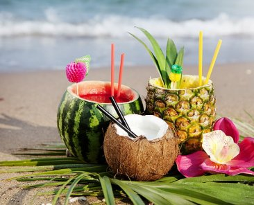 cocktail-watermelon-pineapple-beach-wallpaper-preview